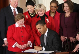 Signing the Ledbetter Fair Pay Act Source:  AmericanProgress.org